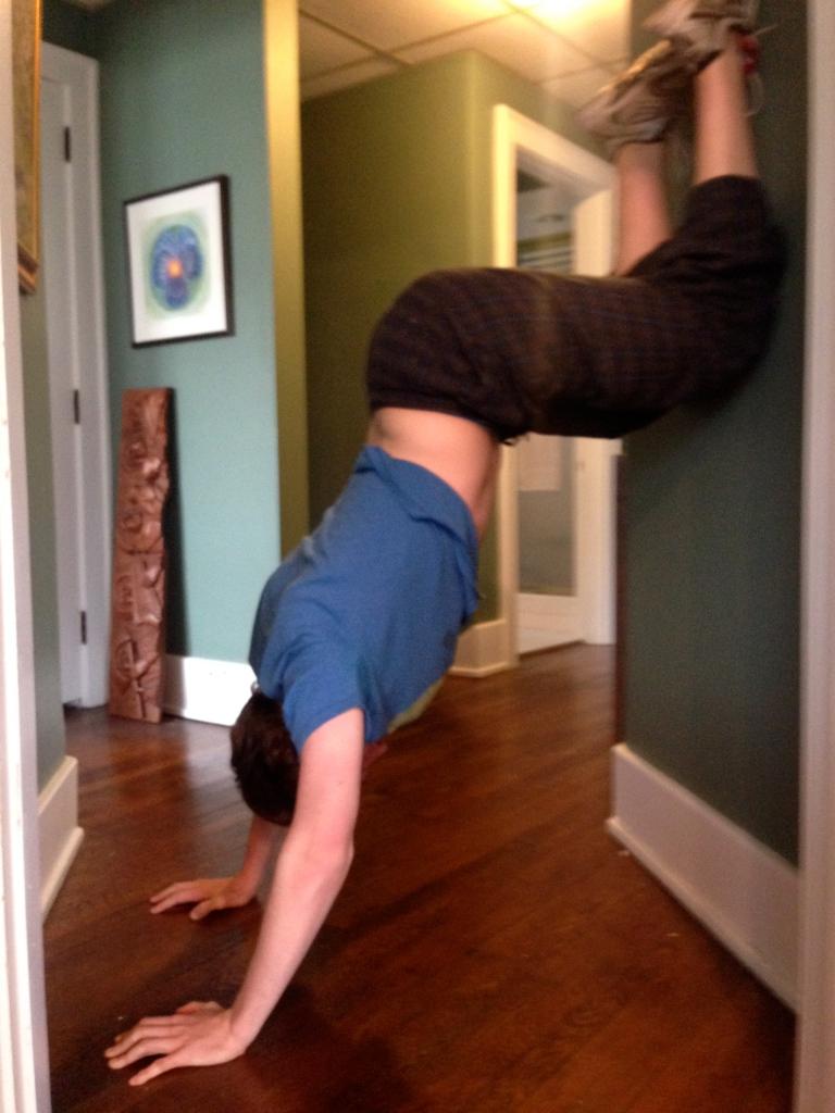 Handstand, fitness llama